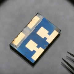 Perovskite Solar Cells Exceed 20% Efficiency, Could Create Hybrid up to 44% Efficient