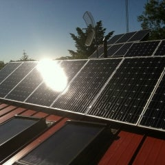 Roof mounted solar installation