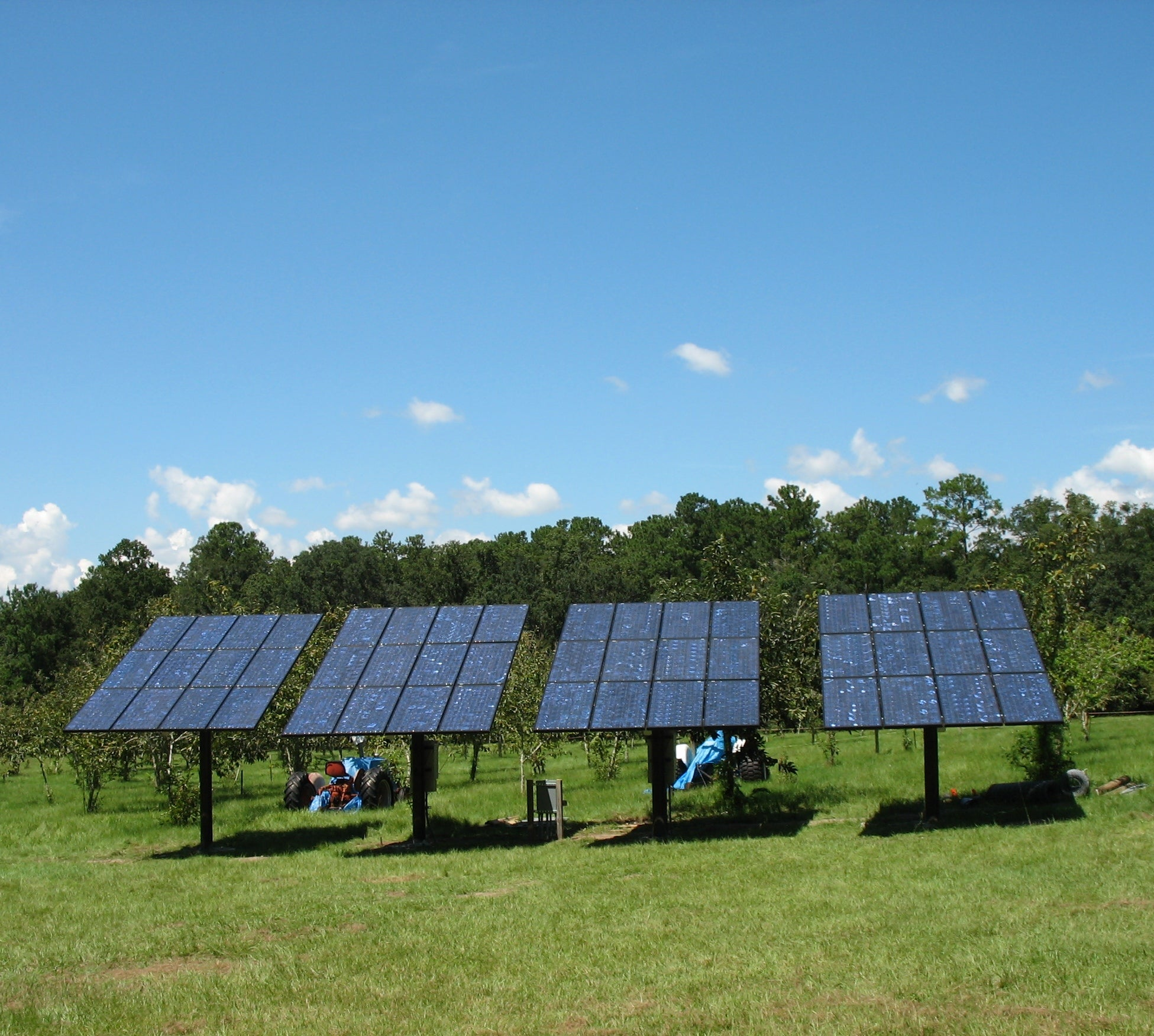9 kW Top-of-Pole Mounted PV System in Gainesville, FL