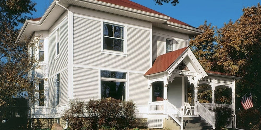 Conquest Quality Vinyl siding on a residential home