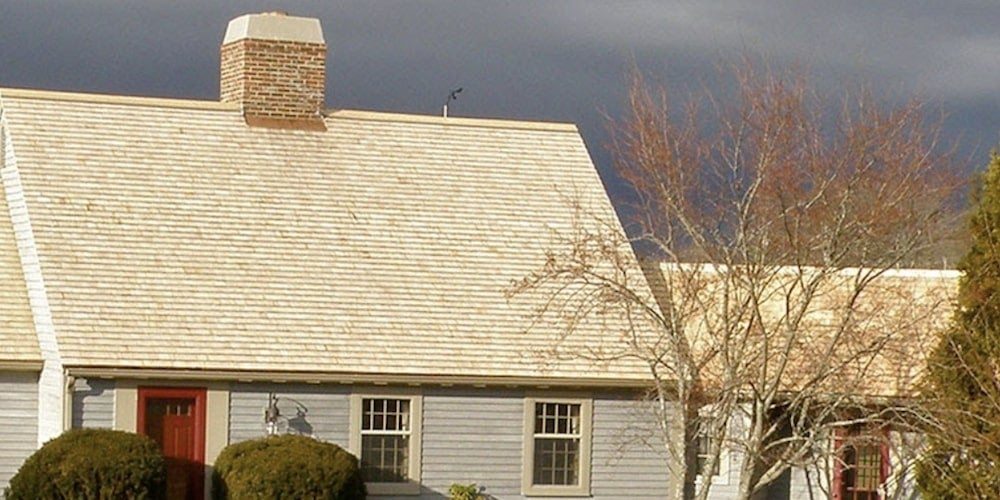An Eastern White Cedar shake roof