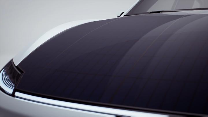 Solar cells on the Lightyear One's hood