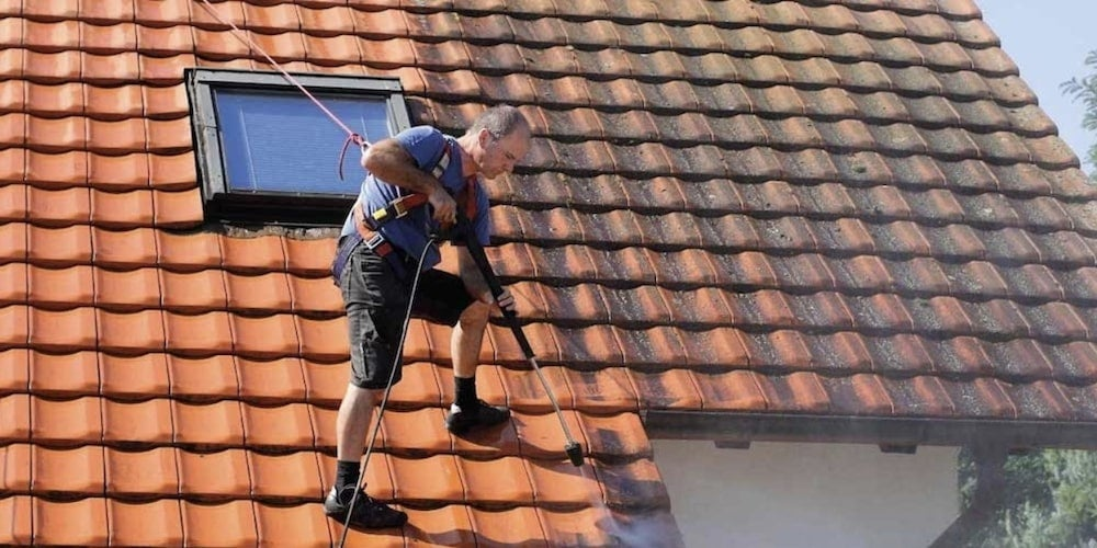 Concrete tile roof maintenance