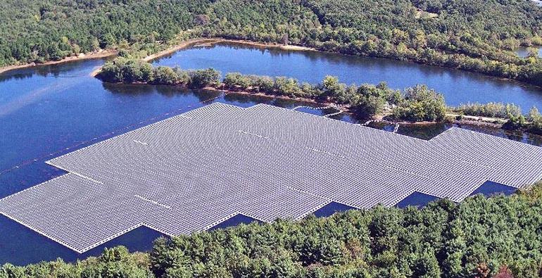 Aerial shot of floating solar panels in Sayreville, NJ
