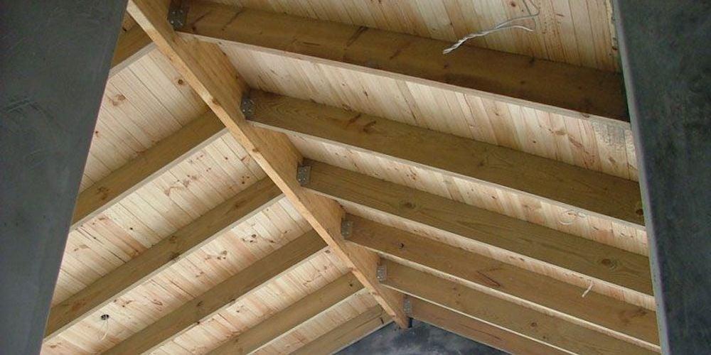 Exposed ridge beam in an attic