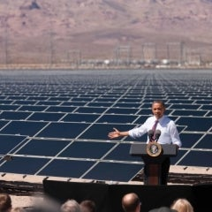 Obama Orders U.S. Government to Use 20% Renewable Energy by 2020
