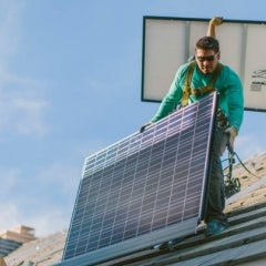 SolarCity Raises $455M Ahead of Potential Tesla Buyout