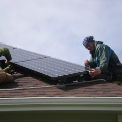 Report Finds Solar Net Metering Poses a Credit Challenge to Utilities
