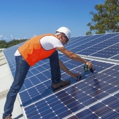 NY Gov. Cuomo Celebrates 35,000th Residential Solar Installation on Long Island