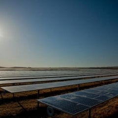 SunPower Starts Building Largest Solar Plant in Oregon, Creating 300 Jobs