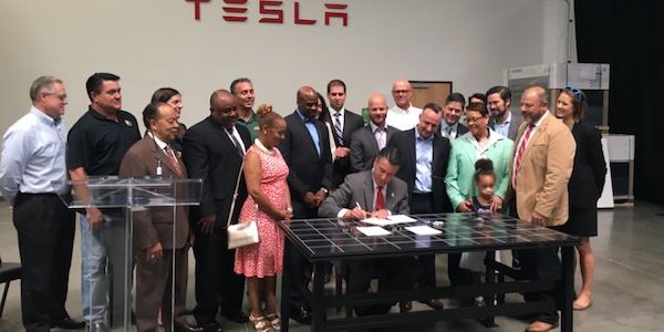 Nevada signs Solar Bill of Rights into law. Courtesy Vote Solar