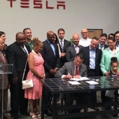 Nevada's Sandoval Signs Solar Bill of Rights Into Law, Reopens Rooftop Solar Industry