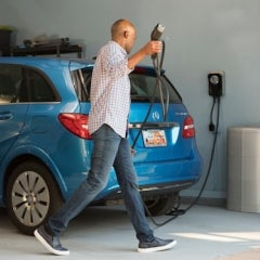 Vivint Solar Becomes First Major Home Solar Company to Bundle EV Charging and Storage