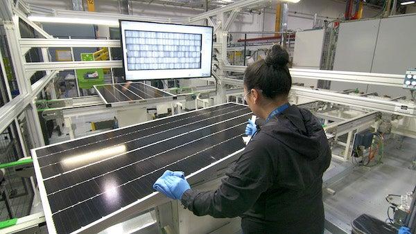 SunPower Begins Producing Solar Panels at SolarWorld Americas Plant