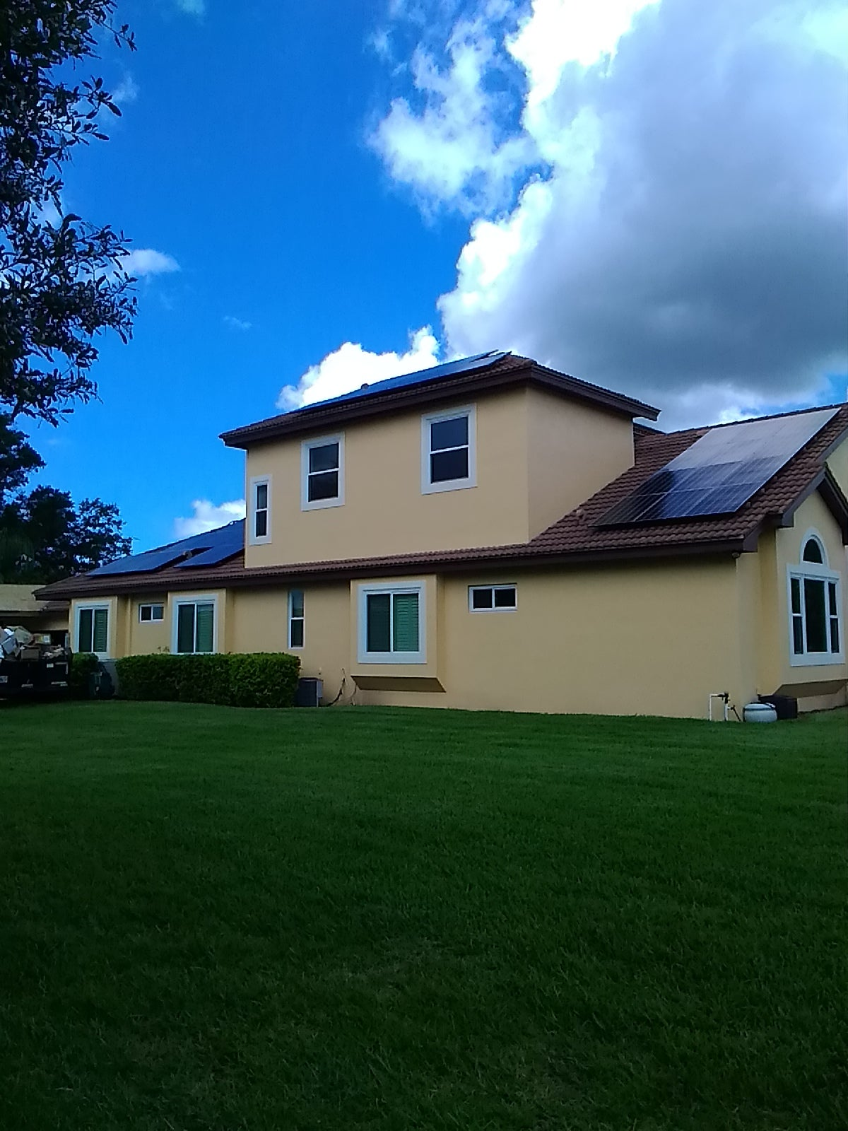 Are LG solar panels the best solar panels to buy?   SolarReviews